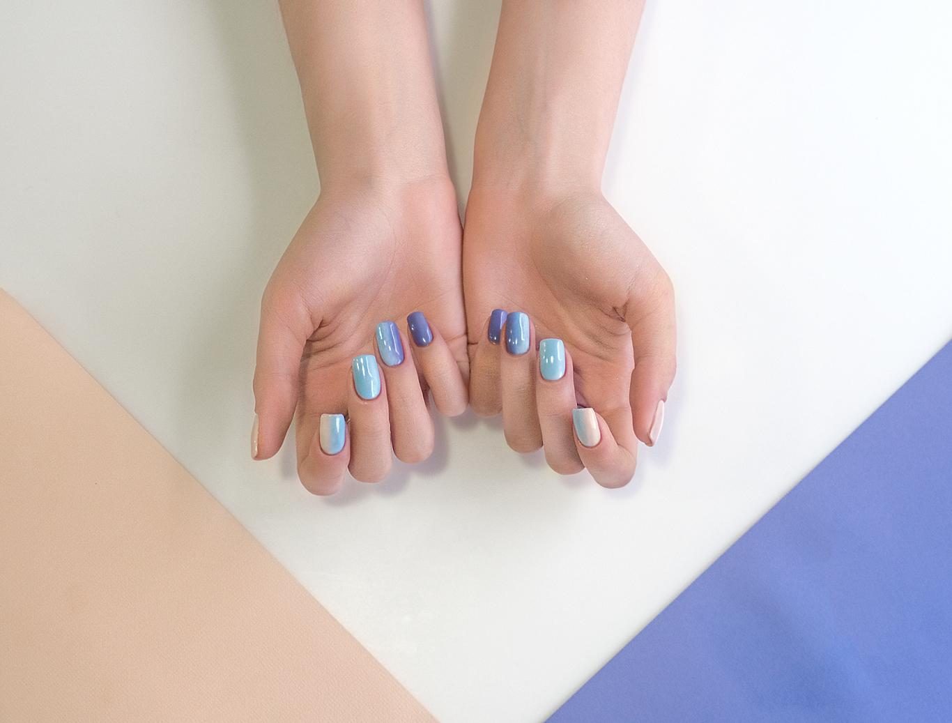Омбре маникюр с переходом цвета на одном ногте 37